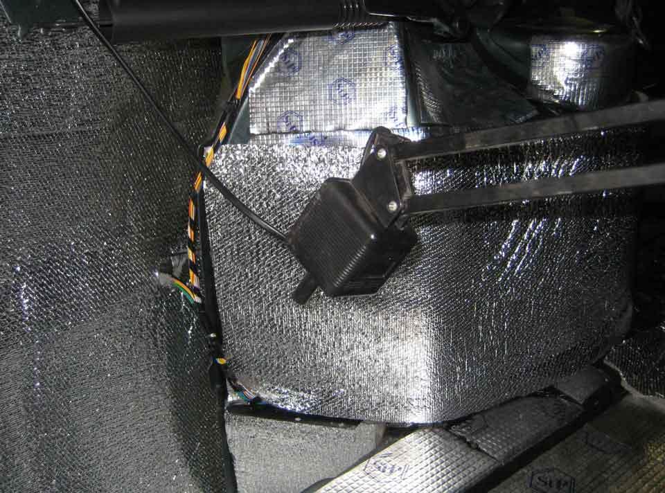 Проклейка задних арок колес